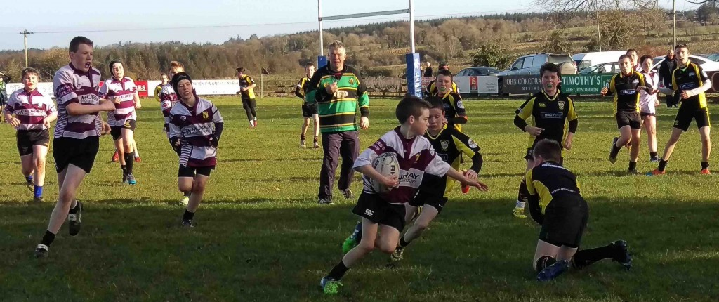 Mark Dowd on the attack v Carrick RFC